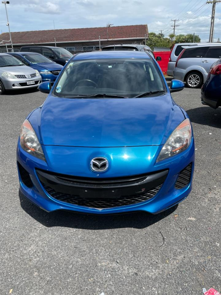 Motors Cars & Parts Cars : 2012 Mazda AXELA