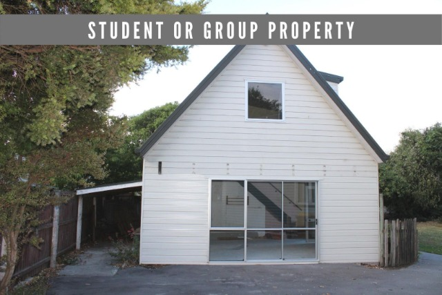 Real estate For rent Houses & apartments : Student Accommodation (3 bedrooms and 2 bathrooms)