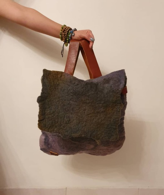 Fashion Women Bags & Wallets : Handmade Felt Bag, Grey Felt hand bag for women, Brand new woolen bag