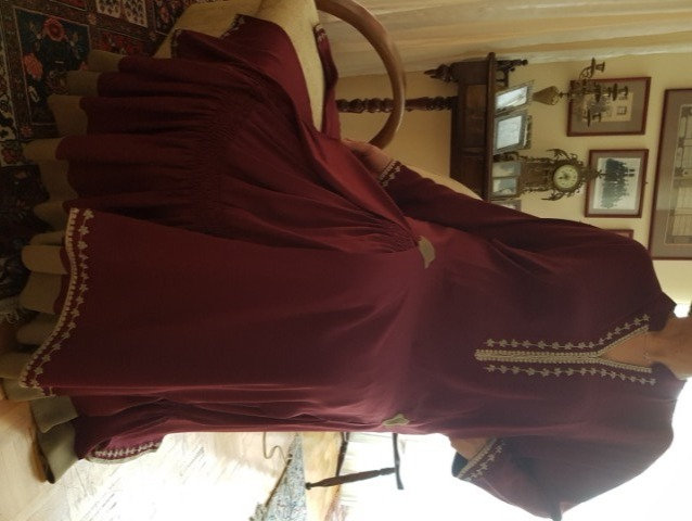 Fashion Women Dresses : Brand new, Iranian Style Dress, Size 14 to 16 (Kurta + Skirt), Beautiful Red Dress