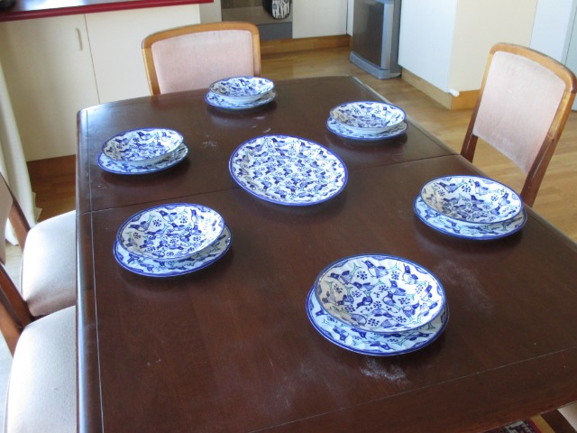 Home & Garden Home & Living Kitchen : Brand new dinner set, 13 pc set, flat plates, deep plates/bowls, serving tray, Persian Pottery