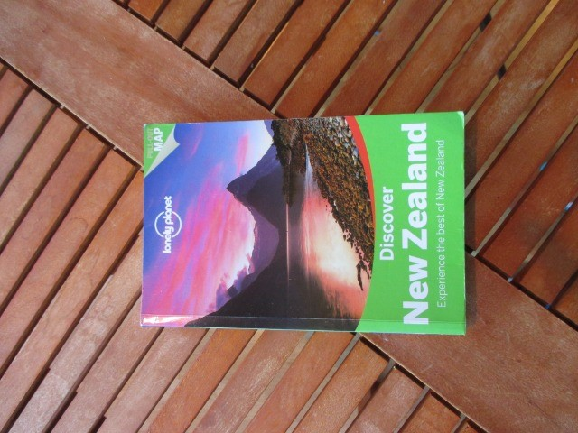 Books & Stationery Books Nonfiction : Discover New Zealand, Lonely Planet, Travel Guide Book, non fiction