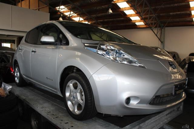 Motors Cars & Parts Cars : 2012 Nissan leaf G CRUISE CONTROL SOLAR CHARGING