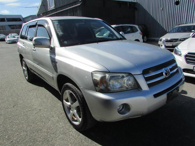 Motors Cars & Parts Cars : 2005 Toyota KLUGER 3.3 V6 HYBRID 7 seaters 4WD SUV