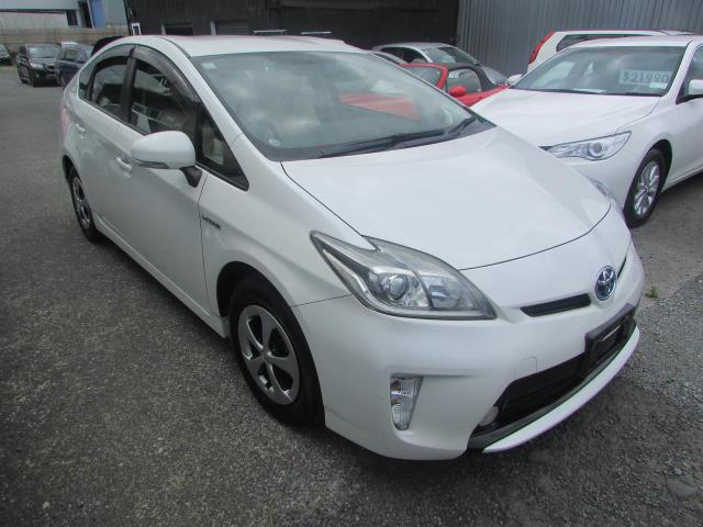 Motors Cars & Parts Cars : 2014 Toyota Prius 1.8S Revese Camera Smart Key Keyless entry
