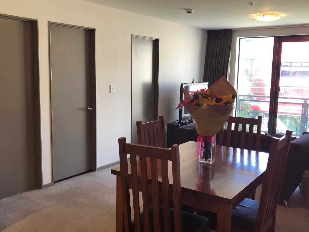 Real Estate For Rent Houses & Apartments : Comfortable, Central 2-Bedroom Apartment, Wellington