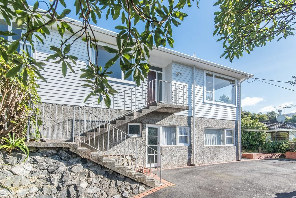Real Estate For Rent Houses & Apartments : Newly renovated 2 bedroom unit in Karori, Wellington