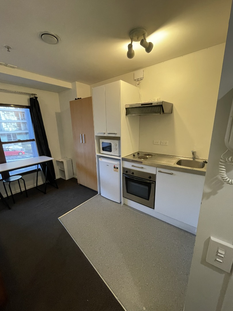 Real estate For rent Houses & apartments : Furnished Studio Apartment on The Terrace, Wellington